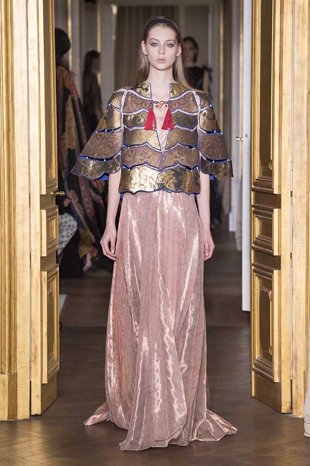 Schiaparelli_SS17_spring-summer-2017-couture (28)-pink-metallic-gown-poncho-jacket