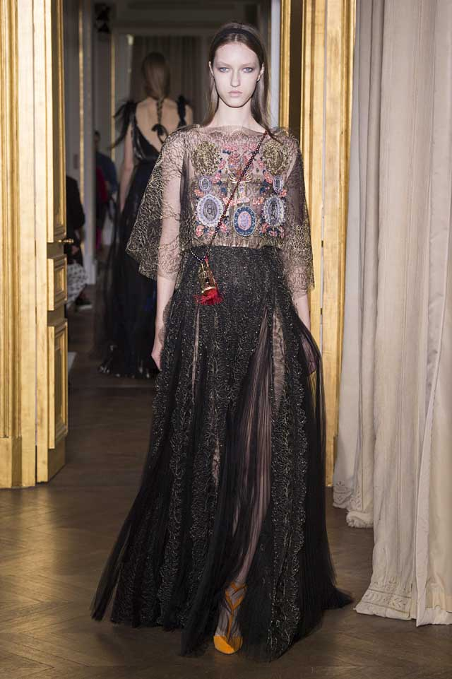 Schiaparelli_SS17_spring-summer-2017-couture (31)-black-gown