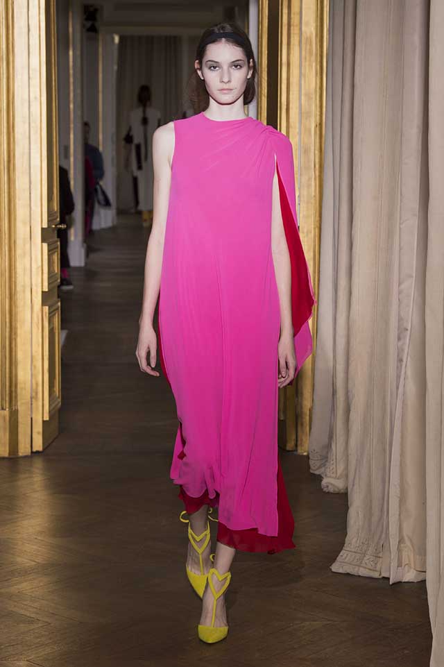 Schiaparelli_SS17_spring-summer-2017-couture (4)-yellow-heart-pumps-pink-dress