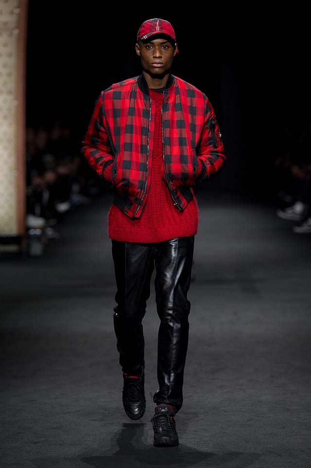 Versace_Men_FW17_ fall-winter-2017 (32)-checkered-bomber-jacket-red-sweater-cap