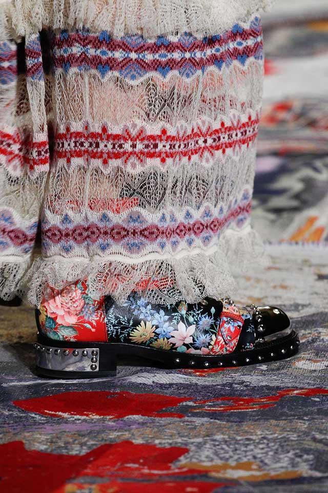 alexander mcqueen-latest-shoe-trends-spring-summer-2017-printed-booties