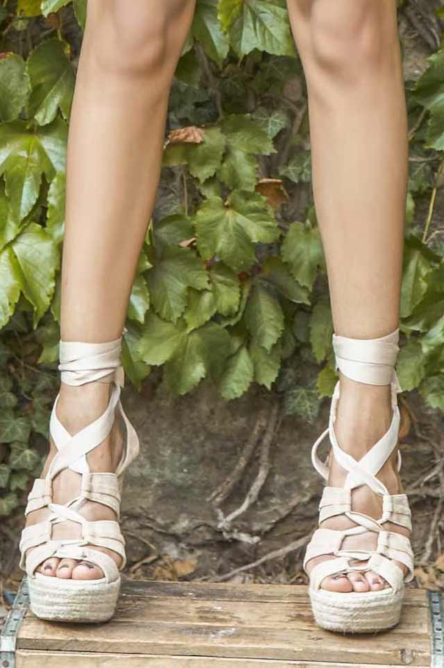 alice-oliva--latest-shoes-for-spring-summer-2017-tie-up-lace-wedges
