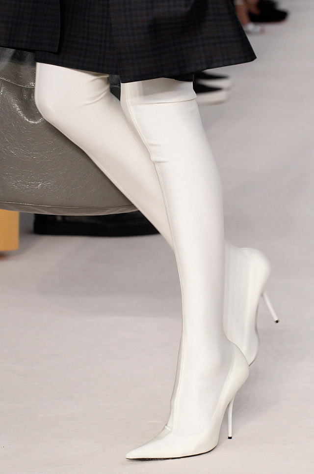 balenciaga-latest-top-spring-summer-2017-shoe-trends-white-skin-boots