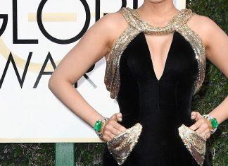 blake-lively-pockets-gown-golden-globe-2017