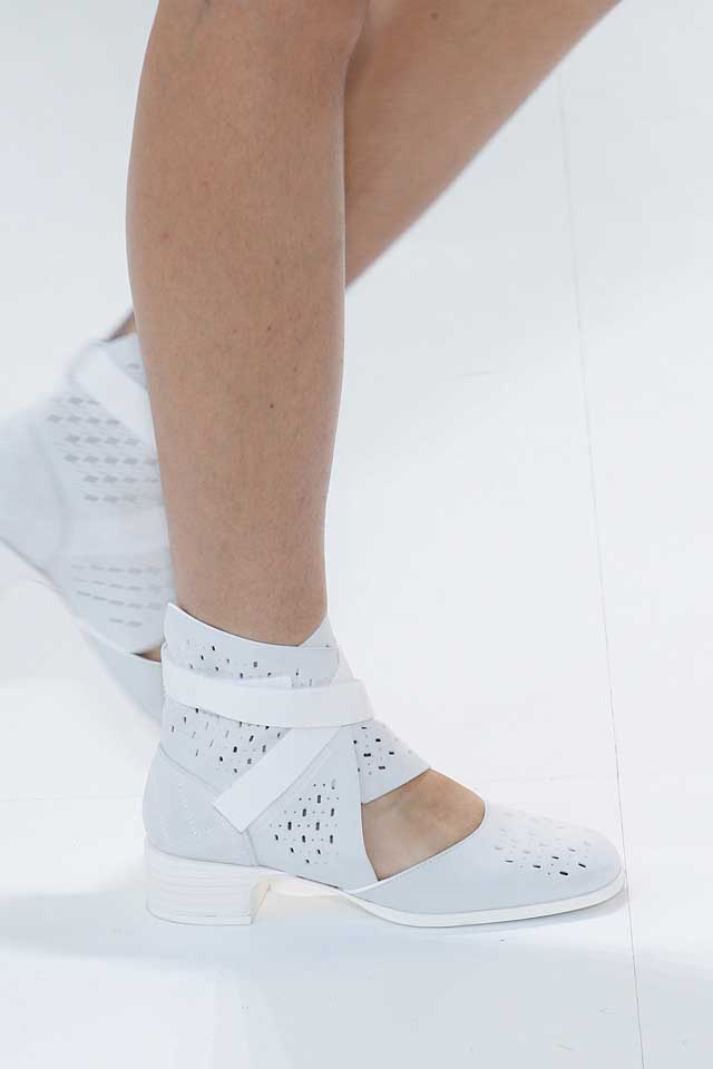 chanel-latest-top-spring-summer-2017-shoe-trends-white-strappy-flats-perforated