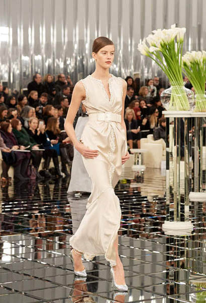 chanel-spring-summer-2017-couture-collection (45)