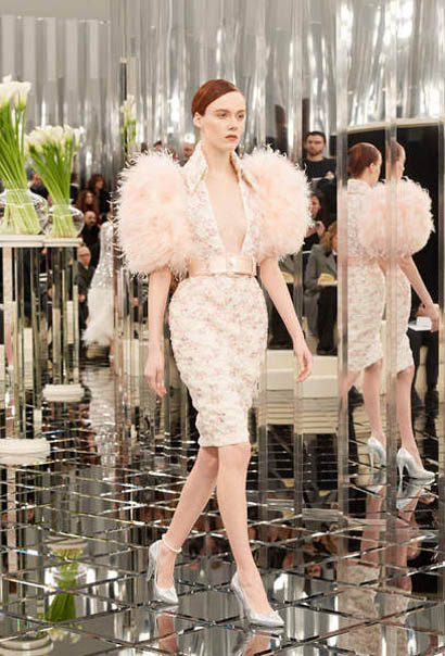 chanel-spring-summer-2017-couture-collection (54)