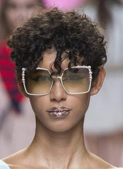 cool-hair-cuts-for-women-latest-runway-fashion-pixie-curly-fendi