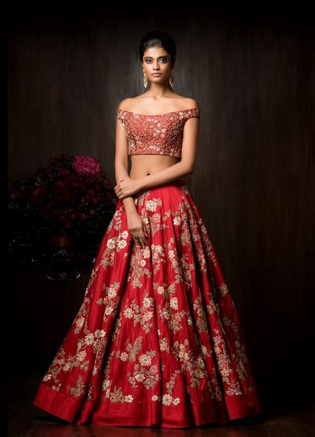 designer-lehenga-for-wedding-shyamal-bhumika-red-bridal-lehenga-designs-2017