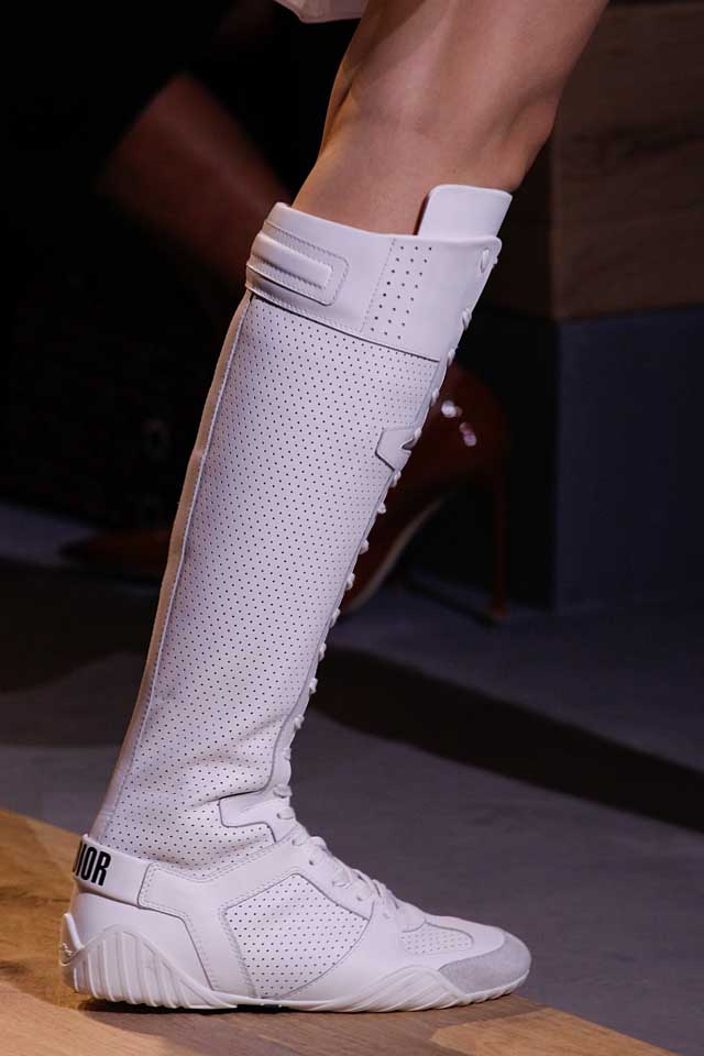 dior--latest-shoes-for-spring-summer-2017-tie-up-lace-white-boots