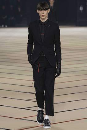 dior_fw17-fall-winter-2017-menswear-mens-1-suit-tie-gloves-winterwear