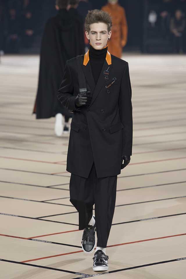 dior_fw17-fall-winter-2017-menswear-mens (39)-black-suit-bag-badges-orange-collar
