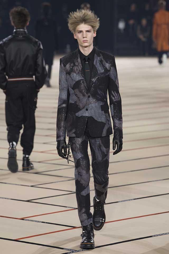 dior_fw17-fall-winter-2017-menswear-mens (43)-patterned-suit-gloves-hairstyles-winterwear