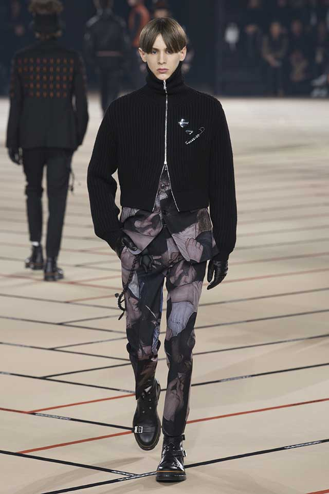 dior_fw17-fall-winter-2017-menswear-mens (44)-patterned-suit-crop-jacket-gloves