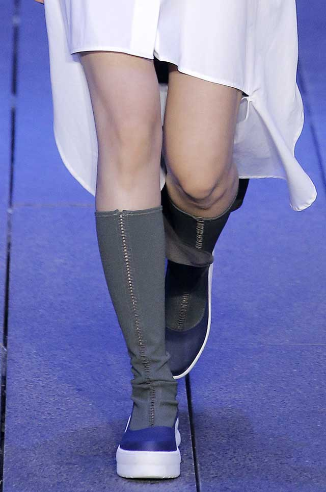 dkny-grey-boots-spring-summer-2017-shoe-trends-knee-high-designer