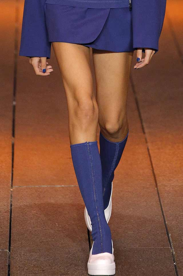 dkny-spring-summer-2017-shoe-trends-latest-boots-latest-blue-boots-matching