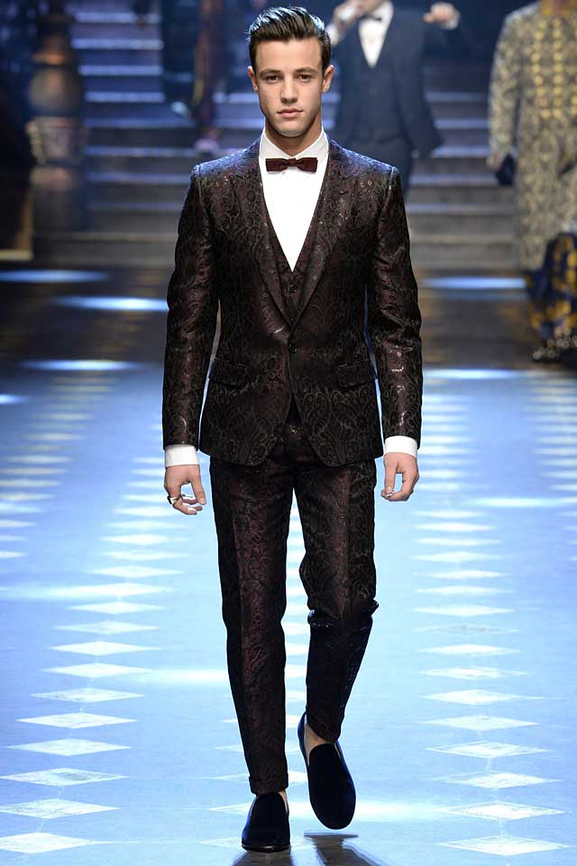dolce-gabbana-fall-winter-2017-2018-fw17-menswear-men-brocade-suit