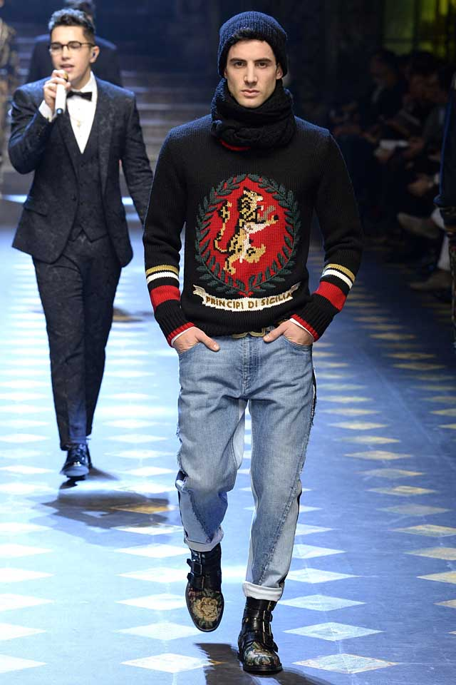 dolce-gabbana-fall-winter-2017-2018-fw17-menswear-men-graphic-sweaters-beanie-wool-scarf