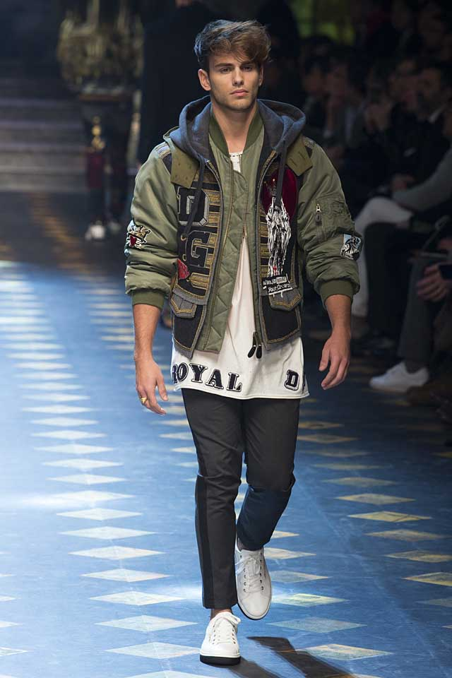 dolce-gabbana-fall-winter-2017-2018-fw17-menswear-men-graphic-tee-shirt-quilted-jacket
