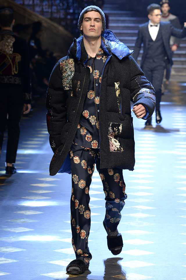 dolce-gabbana-fall-winter-2017-2018-fw17-menswear-men-pajama-suit-patchworkquilted-wool-coat-beanie-fur-slippers