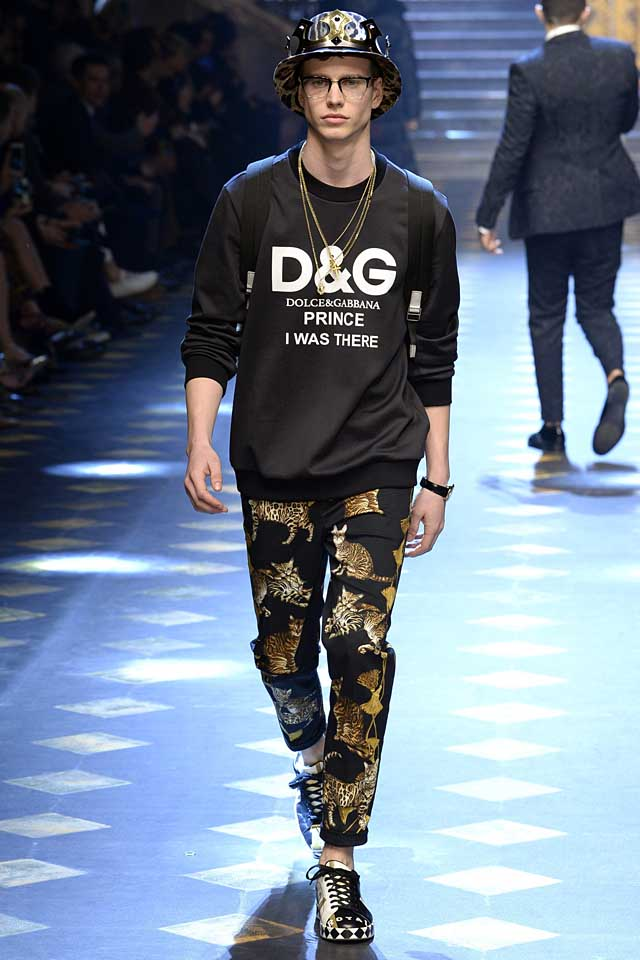 dolce-gabbana-fall-winter-2017-2018-fw17-menswear-men-printed-cat-trousers-graphic-tee-shirt