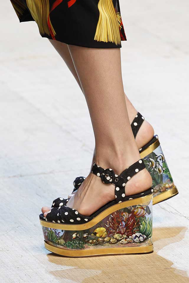 dolce-gabbana-latest-shoe-trends-spring-summer-2017-trendy-fashion-painted-heels