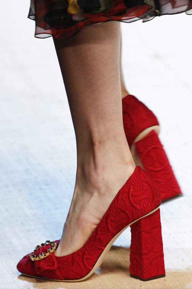 dolce-gabbana-ss17-spring summer shoe trends-red-chunky-heels-pumps-embellished2017
