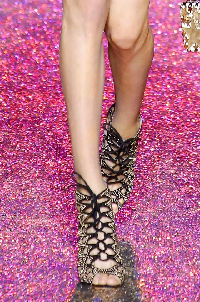 elie-saab--latest-shoes-for-spring-summer-2017-tie-up-lace-heels