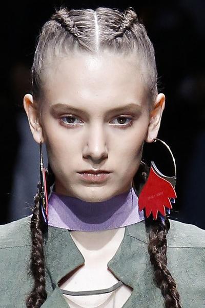 emporio-armani-statement-jewelry-women-latest-2017-fashion