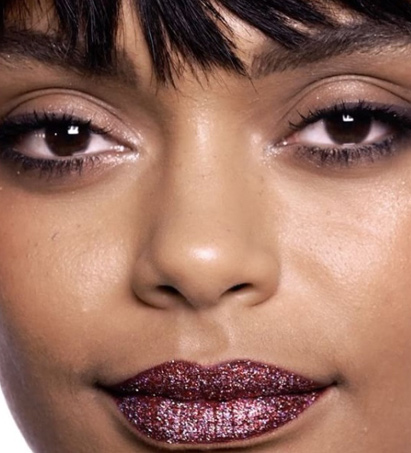 engagement-makeup-looks-for-dark-skin-tone-latest-ideas-glitter-bold-red-lips