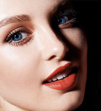 estee-lauder-makeup-ideas-for-engagement-latest-party-lips-red-bold