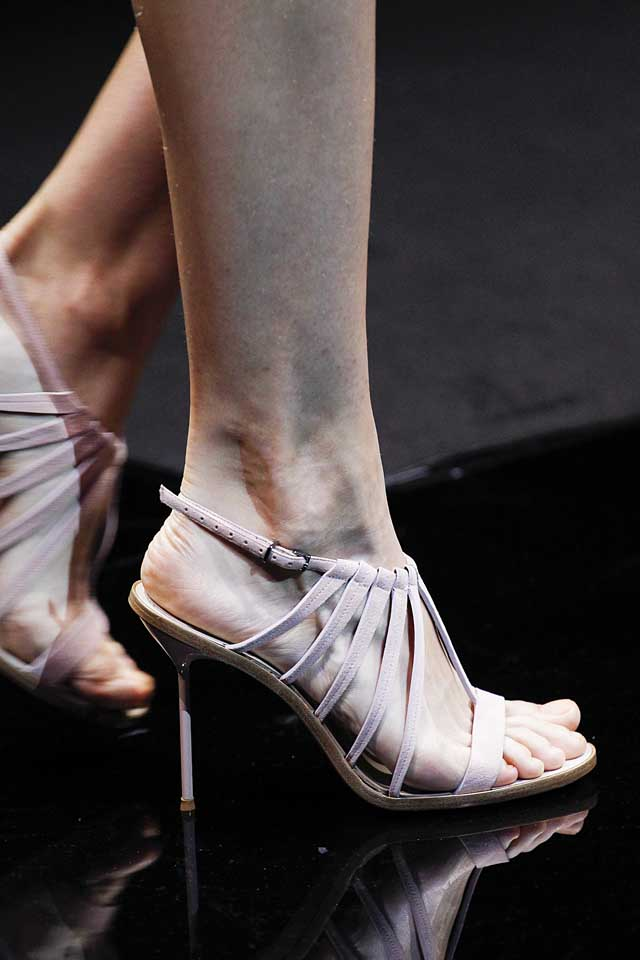 giorgio-armani-latest-designer-nude-shoes-top-spring-summer-2017-shoe-trends-strappy-heels
