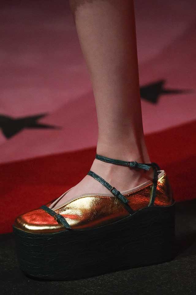 gucci-latest-shoe-trends-spring-summer-2017-platform-heels-metallic-gold