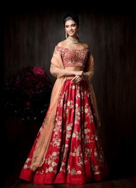 latest-designer-lehenga-styles-shyamal-bhumika-red-bridal-lehenga-designs-2017