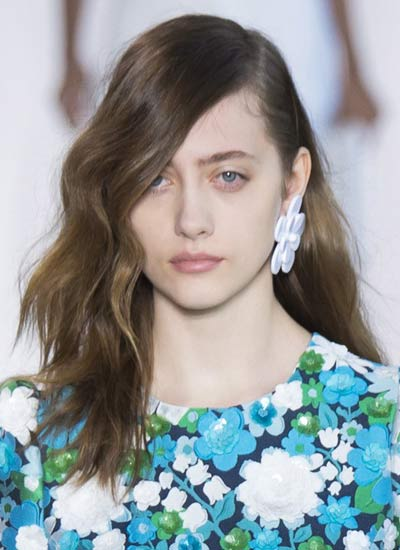 long-hair-side-part-wit-bangs-latest-haircut-trends-spring-summer-2017