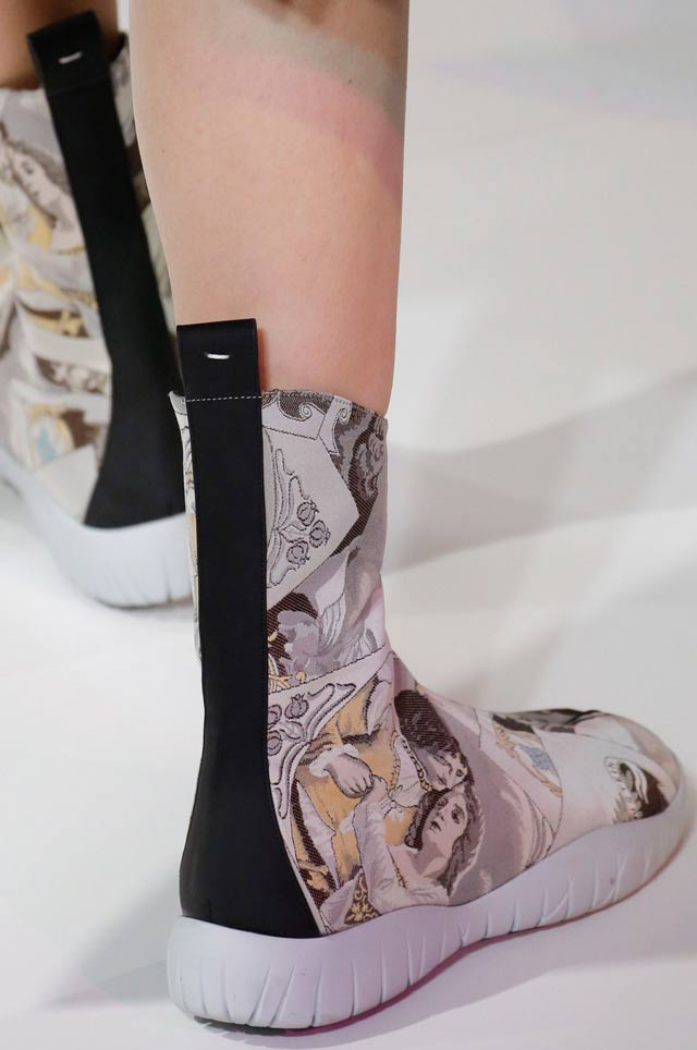 maison-margiela-latest-shoe-trends-spring-summer-2017-trendy-fashion-printed-boots