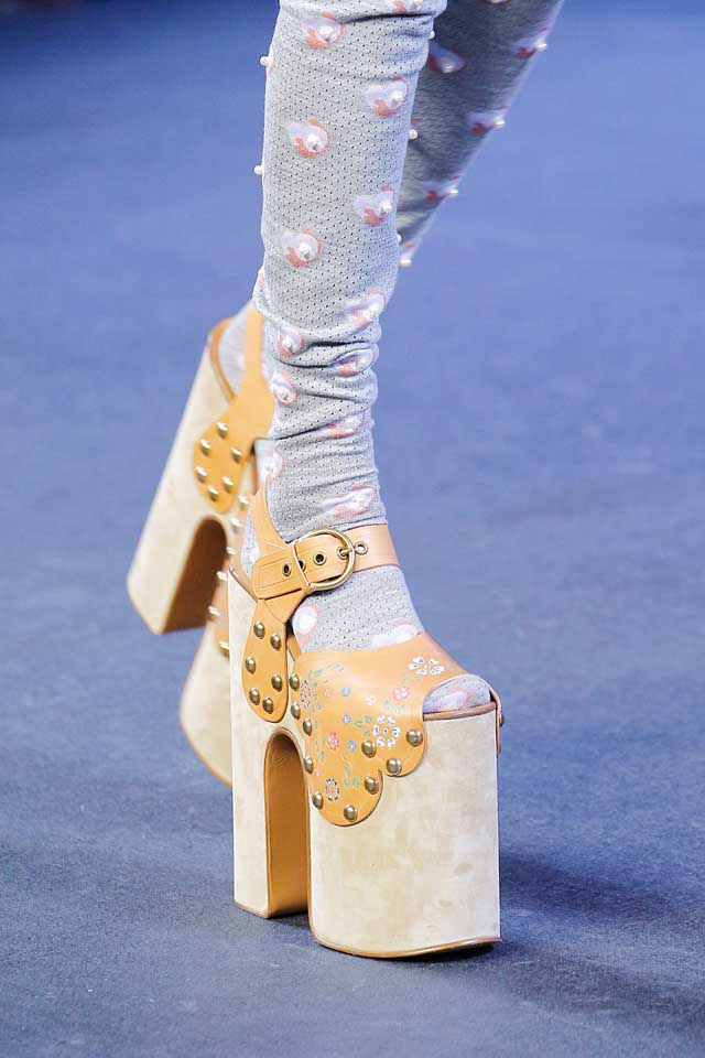 marc-jacobs-runway-shoes-ss17-latest-shoe-trends-spring-summer-2017-trendy-studded-heels