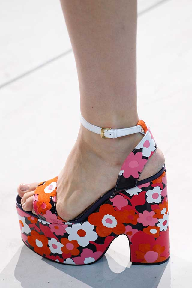 michael-kors-red-floral-chunky-heel-shoes-latest-shoe-trends-spring-summer-2017-trendy-fashion