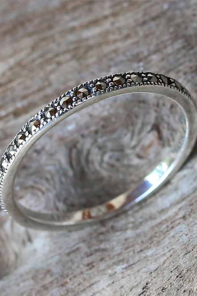 novica-band-ring-silver-handmade-jewerly-minimalist