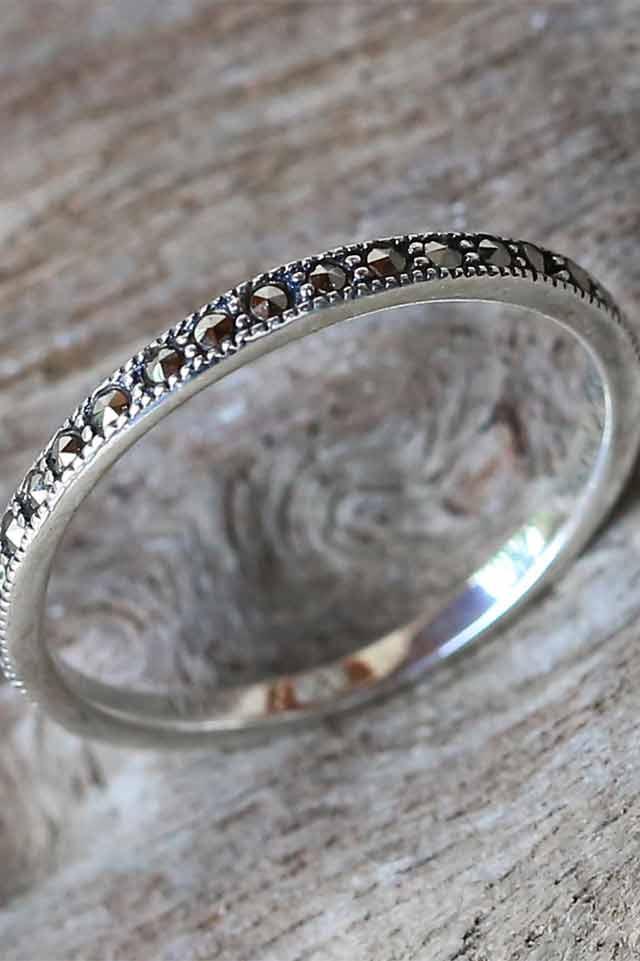 novica-band-ring-silver-handmade-jewerly-minimalist