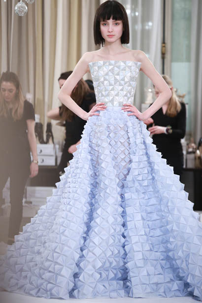 ralph-russo-spring-summer-2017-couture-behind-the-scenes-making (17)-blue-structured-outfit