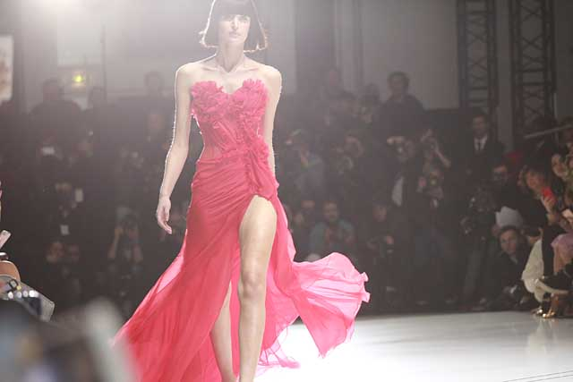 ralph-russo-spring-summer-2017-ss17-red-high-slit-gown