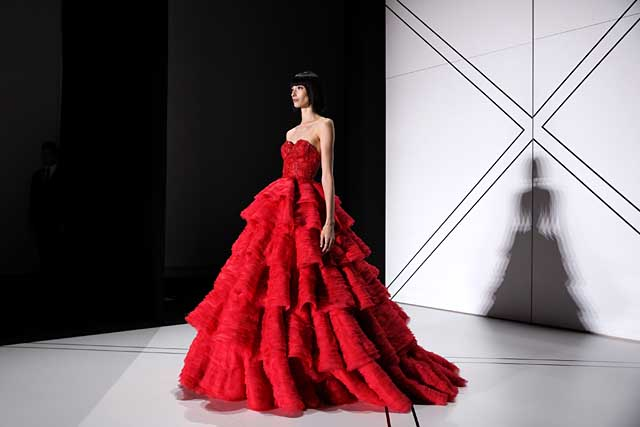 ralph-russo-spring-summer-2017-ss17-red-ruffled-layers-gown