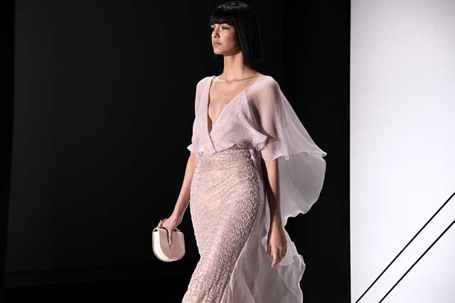 ralph-russo-spring-summer-2017-ss17-sleeves-cape-cool-look