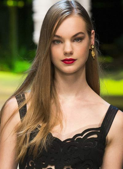 side-part-long-hair-dolce-gabbana-latest-haircuts-for-women-trendy-hairstyles-for-spring