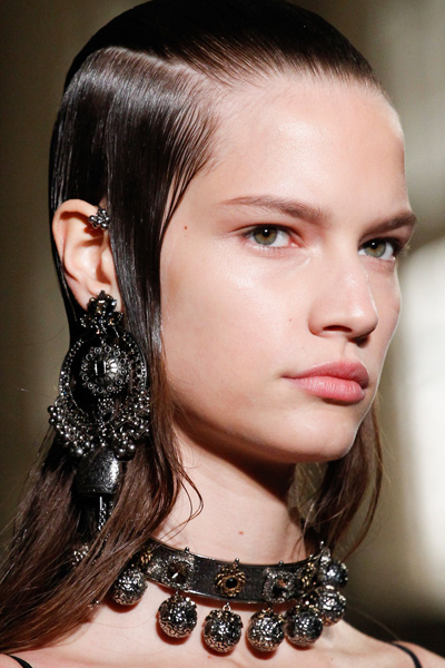 statement-jewelry-spring-summer-2017-chokers-black-fashion