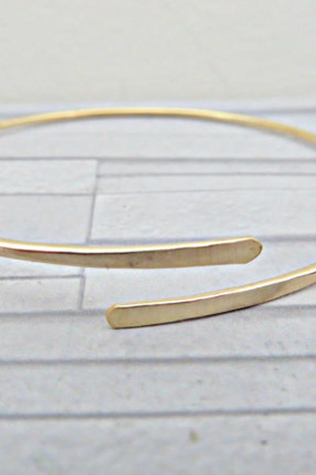 thin-gold-bangle-handmade-minimalist-jewelry