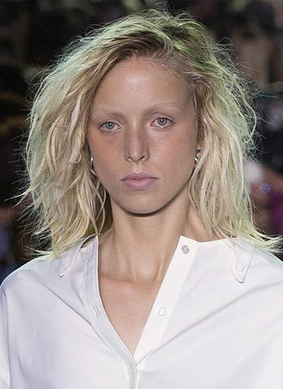 wavy-bob-alexander-wang-latest-haircuts-for-women-spring-summer-2017-collection