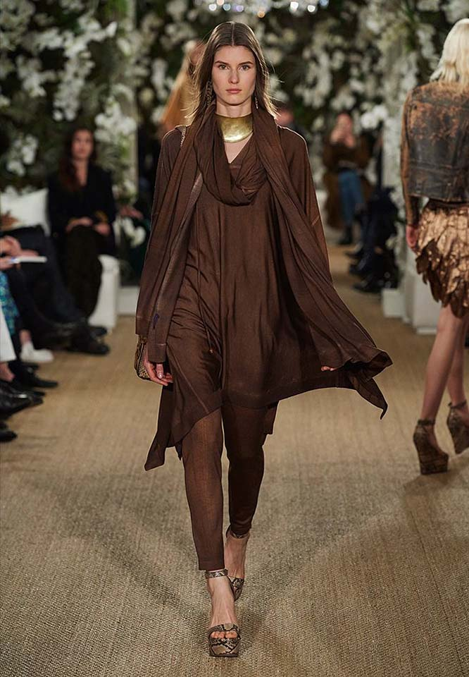 15-ralph-lauren-fall-winter-2017-fw17-collection-brown-chocolate-color-asymmetric-scarf