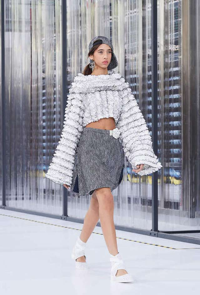 2017-spring-fashion-trends-latestchanel-long-sleeves-ss17-latest
